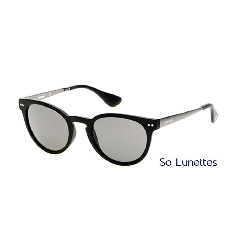 9871b3f2a869fc Lunettes de soleil Timberland TB9085 02D noir opaque - gris polarisant